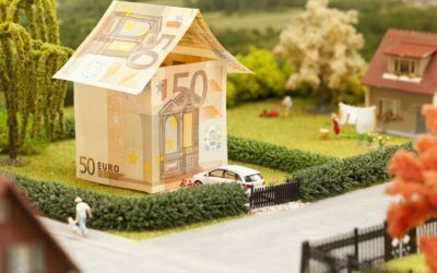 Top tips for currency when buying property abroad